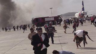 Yemen'in Aden kentinde havaalanında hükümet yetkililerinin gelişi sırasında düzenlenen saldırıda 25 kişi hayatını kaybetmiş, 100'den fazla kişi de yaralanmıştı