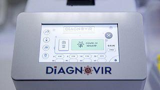 Türkische Wissenschaftler haben einen neuen Test entwickelt, der Sars-CoV-2 in 10 Sekunden und ohne Nasenabstrich aufspürt