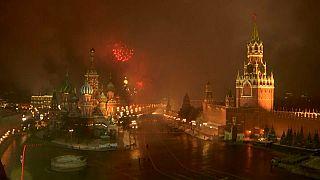 Новогодний фейерверк над Красной площадью