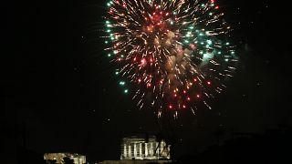 Πυροτεχνήματα στον αττικό ουρανό για την υοδοχή του 2021