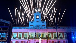 Frohes neues Jahr: Feuerwerk in Berlin und anderen Hauptstädten