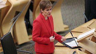 Sturgeon promete que liderará la nueva batalla por la independencia de Escocia