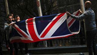 جمع کردن پرچم انگلیس