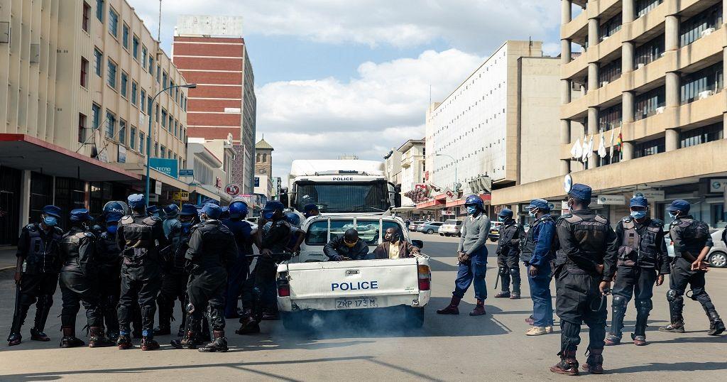 Zimbabwe's government imposes national lockdown