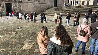 Cola ante la Puerta Santa de la Catedral de Santiago de Compostela
