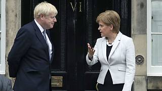 نیکولا استورجن، وزیر اول اسکاتلند و بوریس جانسون نخست وزیر بریتانیا