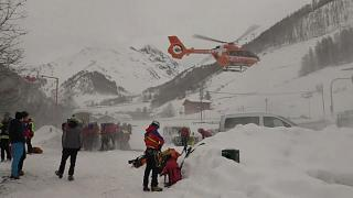 Avalanche mata casal em Itália