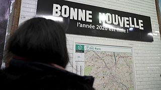 """محطة ميترو الأنفاق بون نوفال """"الخبر السار"""" في باريس"""