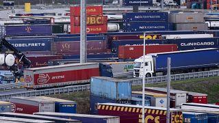 """Переправа из Кале в Дувр действует после """"брексита"""" исправно"""