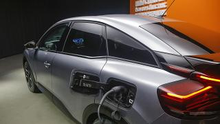 Модель Citroen e-C4 на выставке в Париже в июне 2020 года.