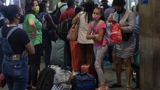 viajantes no aeroporto de Garulhos, São Paulo, Brasil