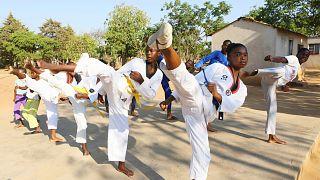 Zimbabve'de çocuk yaşta evlilikle mücadele için tekvando eğitimi