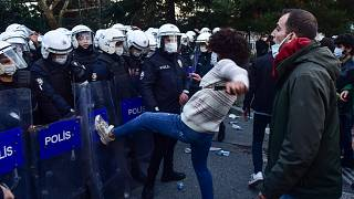 اشتباكات بين الشرطة التركية والطلبة في اسطنبول