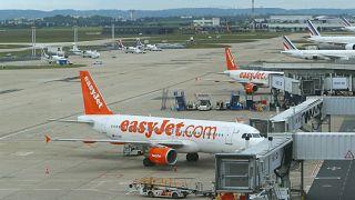 British Airways notificó el año pasado que necesitaba despedir 13.000 empleados, mientras que EasyJet recortó 4.500.