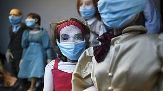 Les stratégies de vaccination et de confinement, de l'Angleterre à l'Espagne en passant par Paris