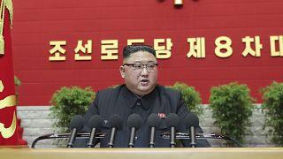 Kim Dzsongun is beismerte: Észak-Korea nem tökéletes