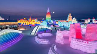 Esti látogatók a Nemzetközi Hó- és Jégfesztiválon a kínai Hejlungcsiang tartomány fővárosában