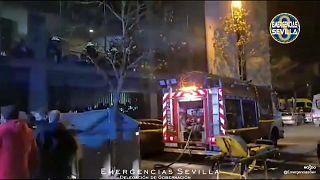 Exterior de la residencia de ancianos afectada por un incendio en Sevilla