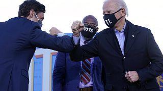 Seçimi kazanan Demokrat adaylar Warnock ve Ossoff Biden ile birlikte