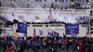 Погибшие у Капитолия: жертвами столкновений в Вашингтоне стали 4 человека