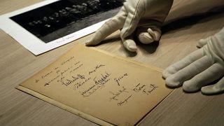 صورة تحمل توقيعا لأدولف هتلر في ميونخ. 2017/04/24