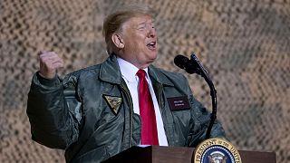 دونالد ترامپ در پایگاه هوایی آمریکا در عراق