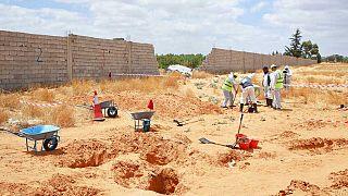 Libya'nın Terhune kasabası ve çevresinde en az 27 toplu mezar bulundu