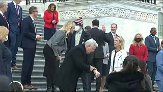 عضو الكونغرس ماري ميلر في الولايات المتحدة تستشهد بهتلر أثناء تقديم استقالتها