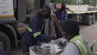 Les mesures sanitaires renforcées au poste-frontière de Beitbridge