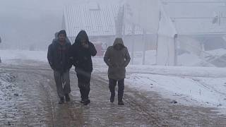 Snow brings more misery for migrants in Bosnia
