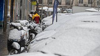 Schnee in Madrid - schon den zweiten Tag in Folge heftige Schneefälle in Spanien