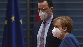 المستشارة الألمانية ووزير الصحة الألماني