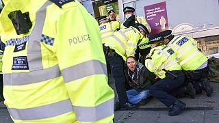 Polizei bei Protesten gegen Corona-Regeln in London