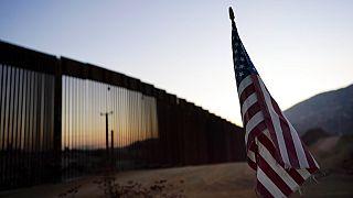 Τμήμα του τείχους στα σύνορα ΗΠΑ- Μεξικού που χτίστηκε επί Τραμπ