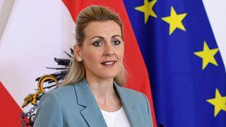 Avusturya Çalışma, Aile ve Gençlik Bakanı Christine Aschbacher