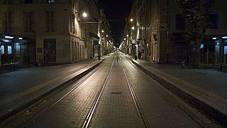 Még több megyében kezdődik este 6-kor a kijárási tilalom  Franciaországban
