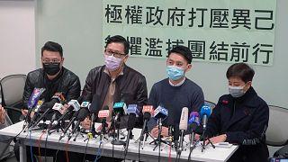 Hong Kong'da tutuklandıktan sonra kefaretle serbest kalan siyasiler