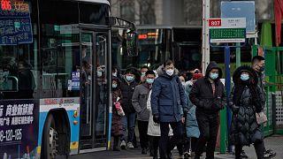 اجراءات الوقاية من انتشار فيروس كورونا في ضواحي بكين.