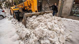 الثلوج تعم شوارع إسبانيا