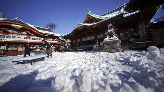 ثلج في طوكيو - صورة من الأرشيف