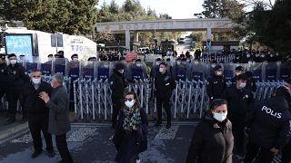 Boğaziçi Üniversitesi rektörlüğüne Prof. Dr. Melih Bulu'nun atanması protestolara yol açtı