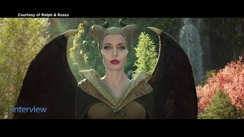 """Angelina Jolie vestida por Ralph & Russo em """"Maléfica"""""""