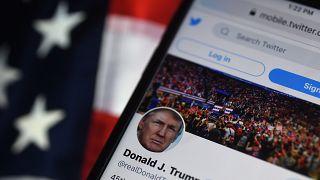 Евросоюз делает внушение американским соцсетям