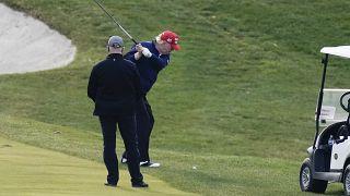 Дональд Трамп играет в гольф 13 декабря 2020