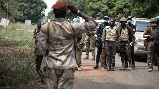 RCA : le Premier ministre Firmin Ngrebada à la rencontre des troupes