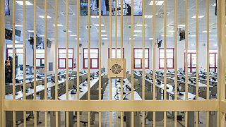 L'une des salles du tribunal spécial anti-mafia où doivent être enfermés les membres de la N'drangheta, à Lamezia Terme - Calabre -, le 15 décembre 2020