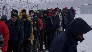 Abgebranntes Migrantenlager in Bosnien: Viele krank