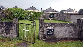 """En Irlande, l'horreur des """"maisons mère-enfant"""" révélée par un vaste rapport"""