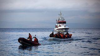 Frontex, göçmenlere müdahale ederken / Arşiv