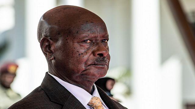 Ouganda : Yoweri Museveni justifie le blocage des réseaux sociaux